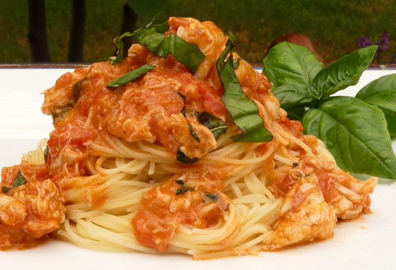 August Spaghetti With Crab And Mascarpone Sauce
